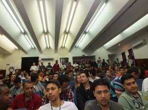 Participantes no auditório.